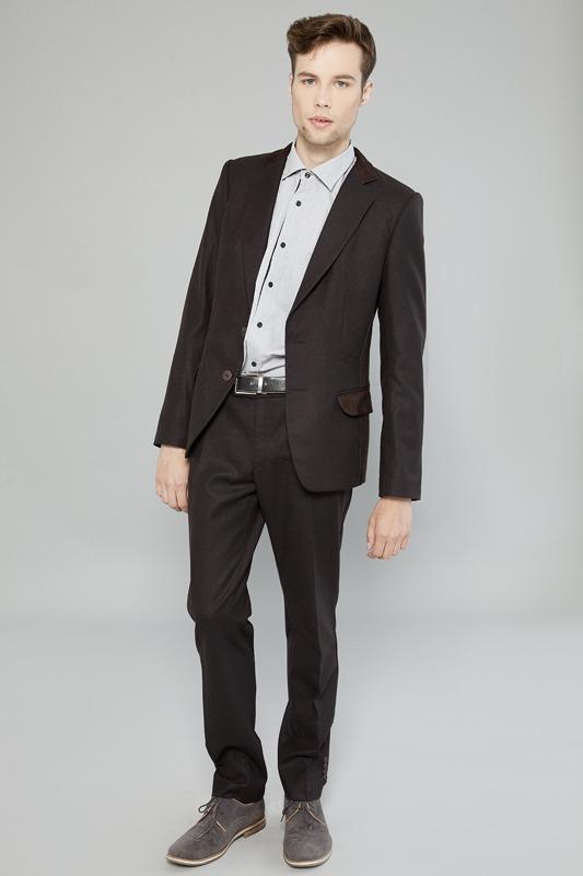 85e320d92079 Костюм мужской приталенный, темно-коричневый, отделка натуральная  замша,пуговицы матовые. Натуральная Итальянская шерсть. В комплект входит:  - пиджак
