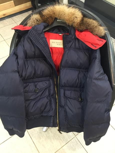 Пуховик Burberry мужской размер XL. состояние новой вещи,покупал в Гуме За  1200€. Наполнитель 100% пух. Отстегивается мех от капюшона и он от куртки. 2cb24846124