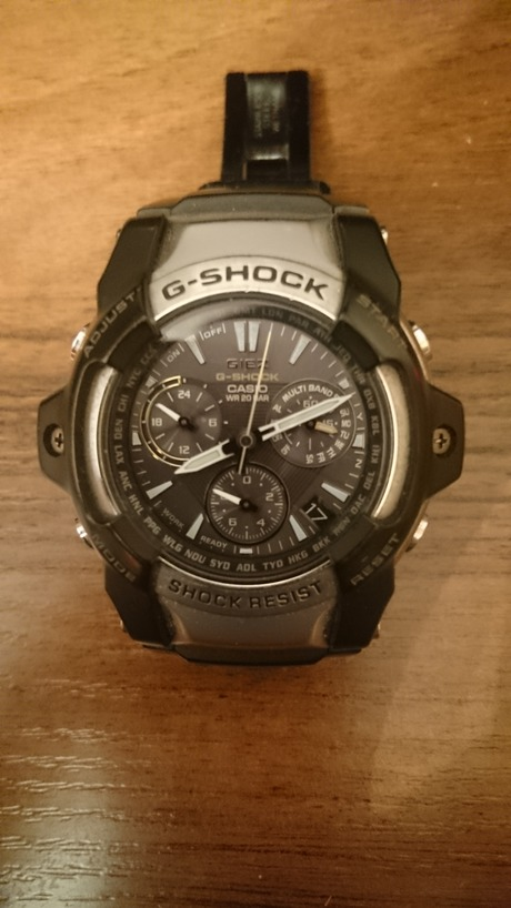 Часы Casio Edifice WR 100M - это модели высшего класса с