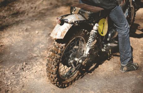 «Европа стоит на ушах от семидесятых»: Тест-драйв кастомного мотоцикла Kawarna