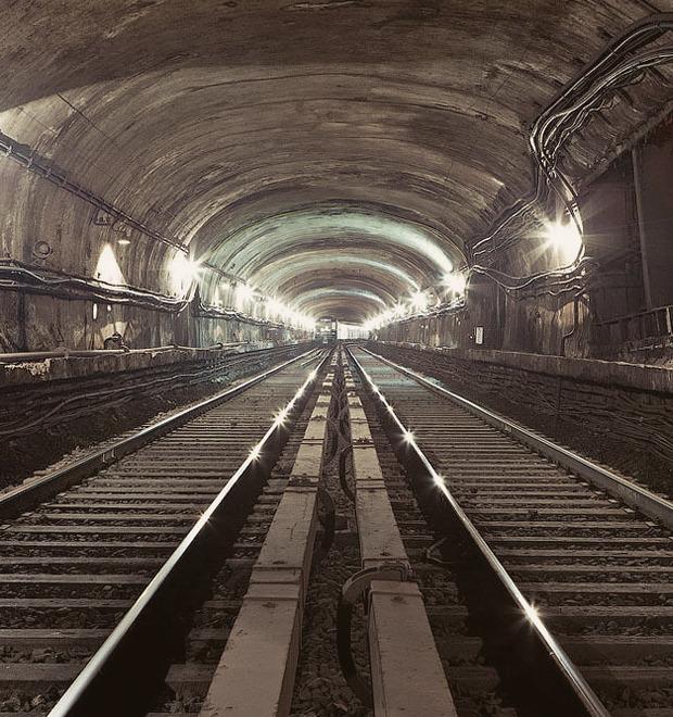 Метро как подземелье, бомбоубежище и угроза: Интервью с исследователем подземки