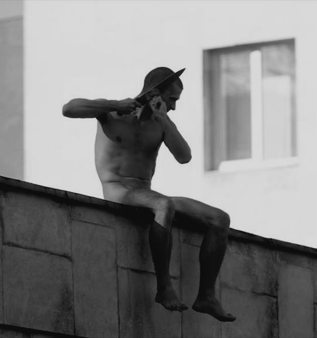 Как блогосфера отреагировала на новый перформанс Петра Павленского — Культура на FURFUR