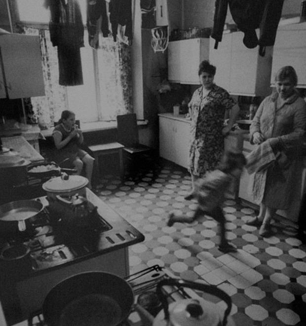 Наша жизнь —коммунальная квартира: Интервью с барабанщиком «Дюны» из журнала «12К»