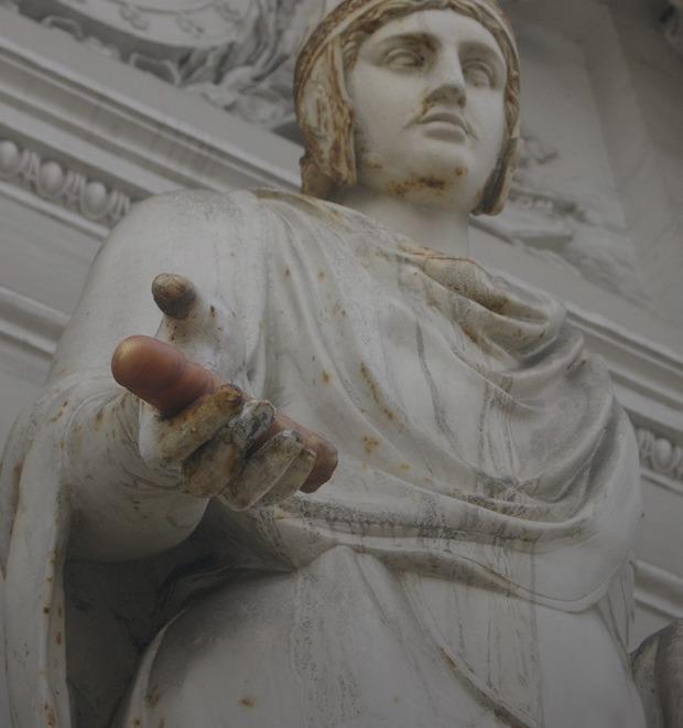 Зачем обливать Мавзолей святой водой: Интервью с арт-группой «Синий всадник»