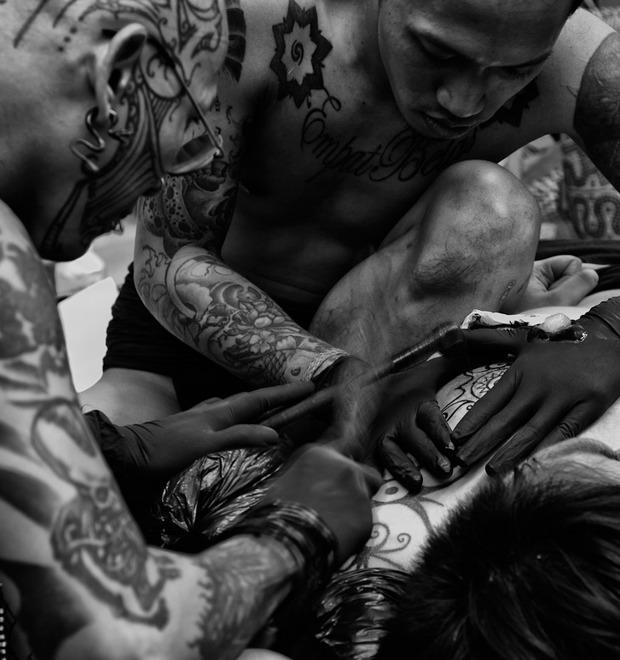 Иглоукалывание: 4 ручных метода нанесения татуировок — Культура на FURFUR
