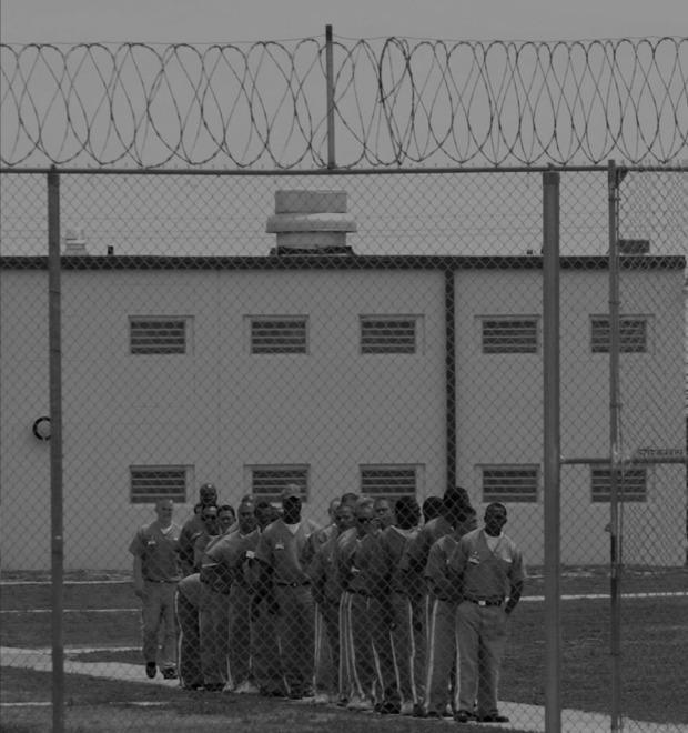 Фотопроект: Оправданные заключённые на местах своих «преступлений»
