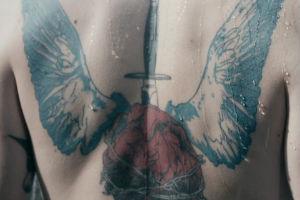 Фильм об искусстве татуировок «Skin» выложен в сеть — Культура на FURFUR