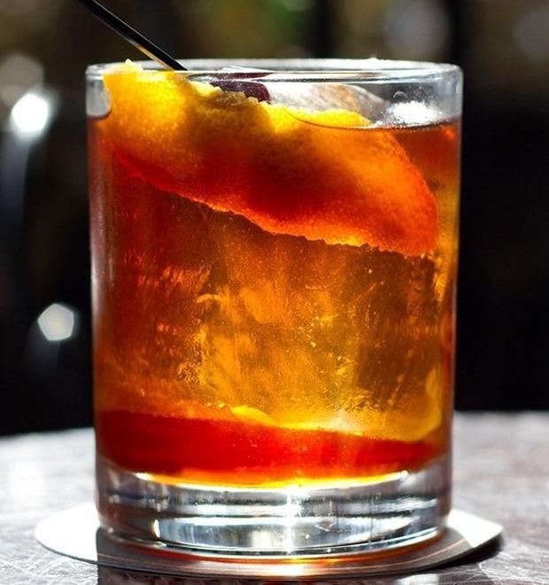 Коктейль: The Touch of Spirito с послевкусием копчёного чая