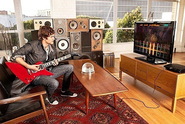 Видеоигра с настоящей гитарой