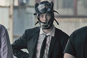 «Еще больше женщин и пушек»: Репортаж со съемок продолжения вирусного видео The Insane Office Escape