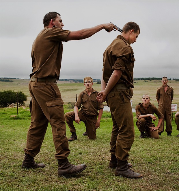Как подростков ЮАР обучают межрасовой войне в националистических лагерях