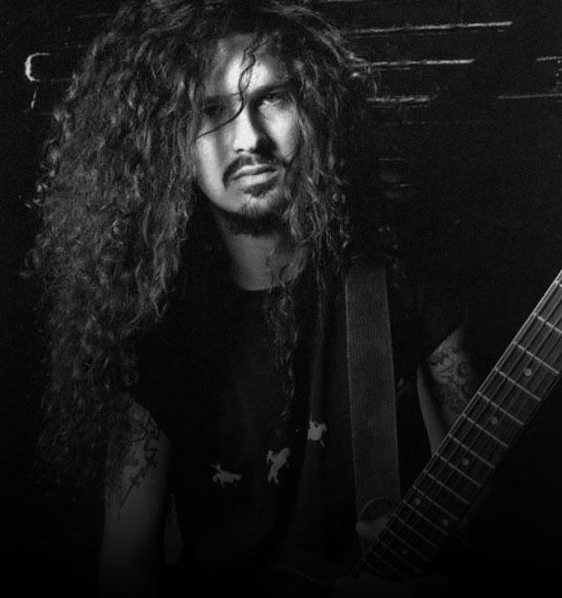 6 рок-музыкантов, которые умерли прямо на сцене