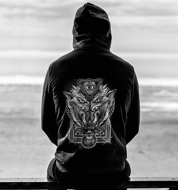 Новая марка: Куртки, худи и футболки «Меч» — Герои на FURFUR