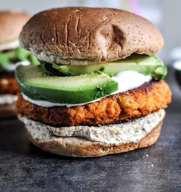 «Вегетарианство — тантрическая практика, а бургер —секс»: Шеф-повара об идеальном бургере