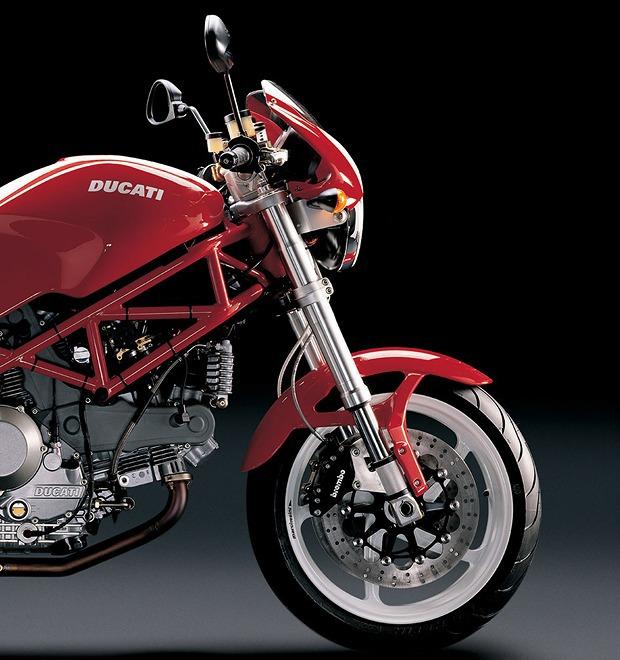 Современная классика: Гид по Ducati Monster как одному из лучших дорожных мотоциклов — Культура на FURFUR