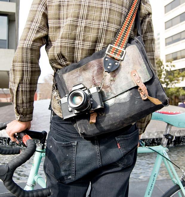 Срочная доставка: Все, что нужно знать о сумках-мессенджерах