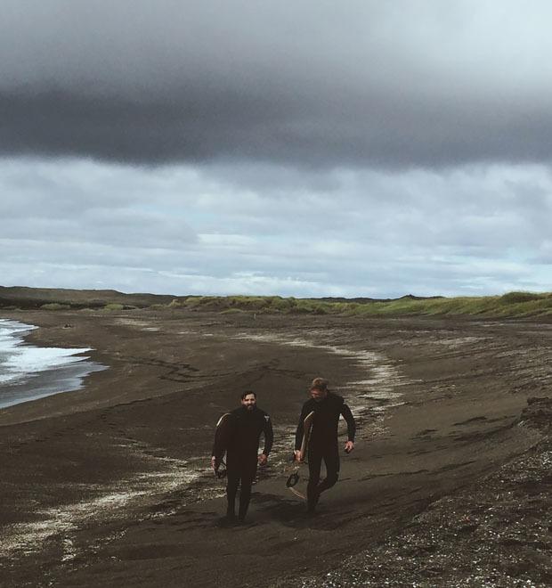 Как мы проехали всю Европу на мотоциклах, чтобы посёрфить у берегов Исландии