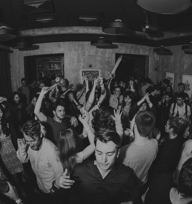 Как девушке споить парня: Бар-менеджер Денис Кряжев советует 5 работающих коктейлей — Культура на FURFUR
