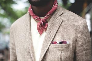 Как выбрать и правильно повязать шейный платок