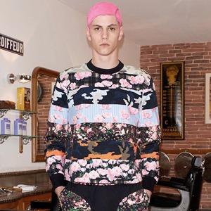 Предвесенняя коллекция Givenchy с камуфляжными и цветочными принтами  — Культура на FURFUR