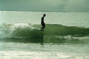 В Германии издали книгу «Surfers' Blood» —более ста фотографий, посвященных серфингу — Культура на FURFUR