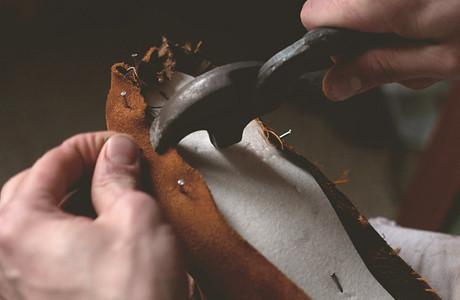 Обувь своими руками: Как сделать ботинки мечты в домашних условиях