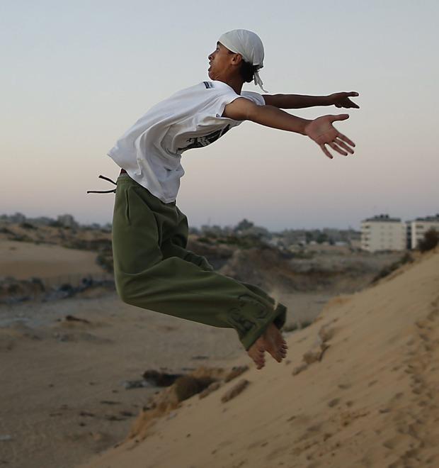 Как подростки превращают сектор Газа в паркур-спот