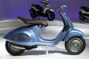 Новая модель мотороллера марки Vespa