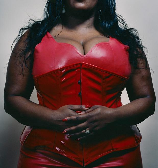Моя госпожа: Фотограф Кейт Питерс исследует вопросы доминирования женщин в сексе