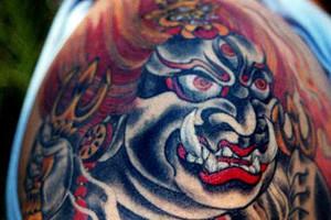 Новое видео о легендарных татуировщиках журнала Vice