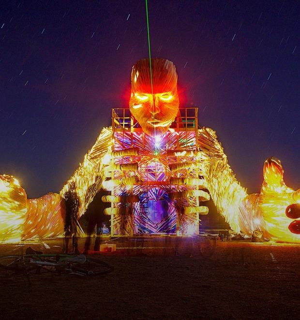 Как развлекаются посетители фестиваля Burning Man в африканской пустыне — Культура на FURFUR