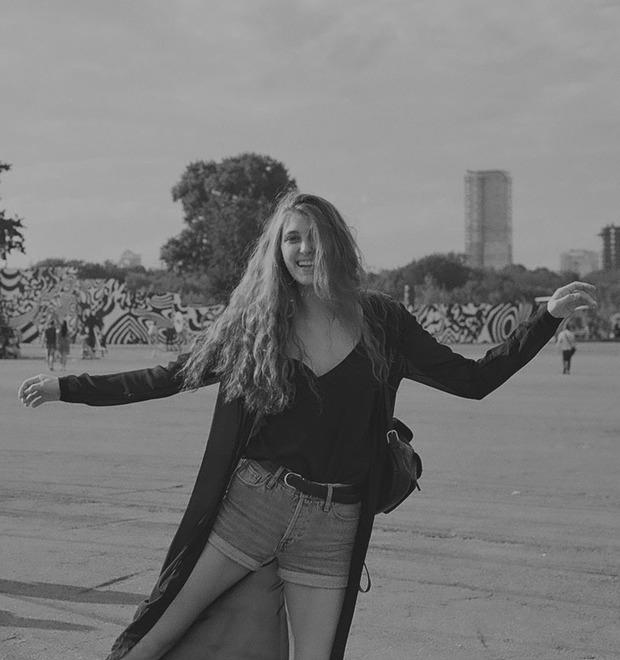 Девушки в городе: Фоторепортаж с фестиваля Outline