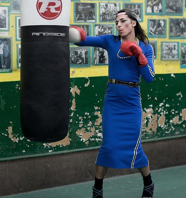 Фотопроект: Трансвеститы оккупируют боксёрский клуб в Лондоне