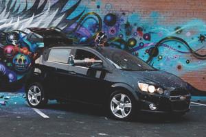 Художник Джефф Сото совместно с Chevrolet разработал робот-автомобиль для создания граффити — Культура на FURFUR
