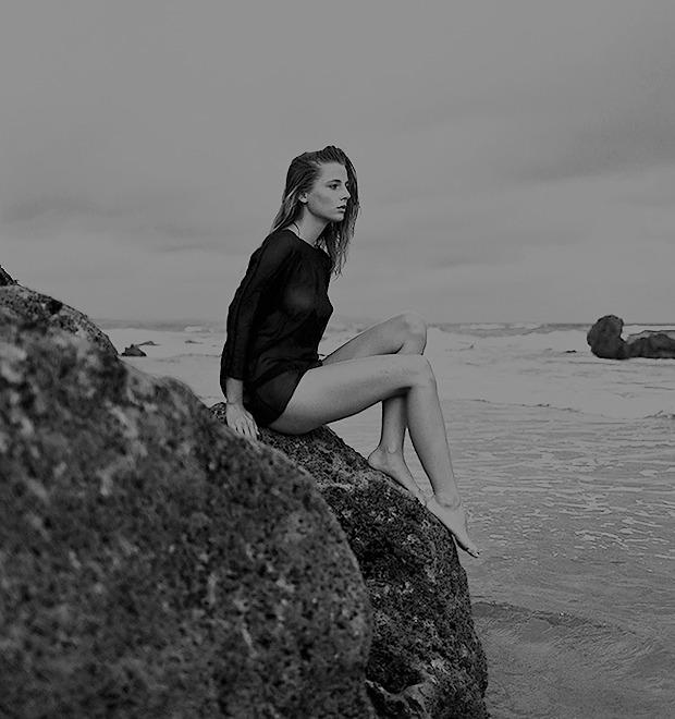 Жаклин: Красивая полька на пустынном пляже