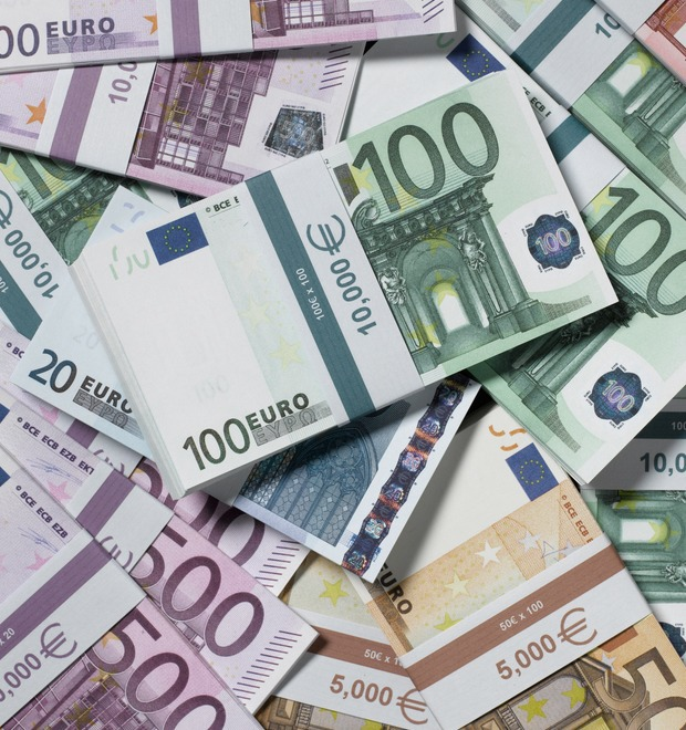 Как выглядят 20 млрд евро наличными, найденные в Шереметьево — Культура на FURFUR