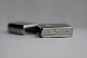 Мужская разборка: Из чего состоит зажигалка Zippo