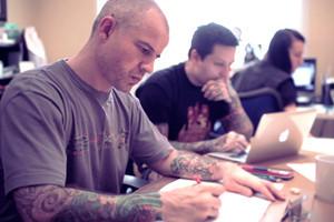 Хруст костей: Интервью с татуировщиком Дмитрием Речным — Герои на FURFUR