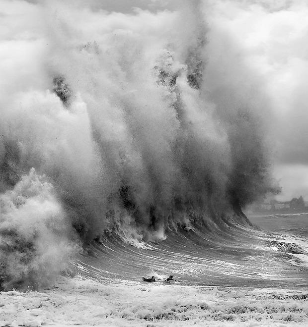 Идеальный шторм: Серфер Максим Ганкин об охоте за экстремально высокими волнами