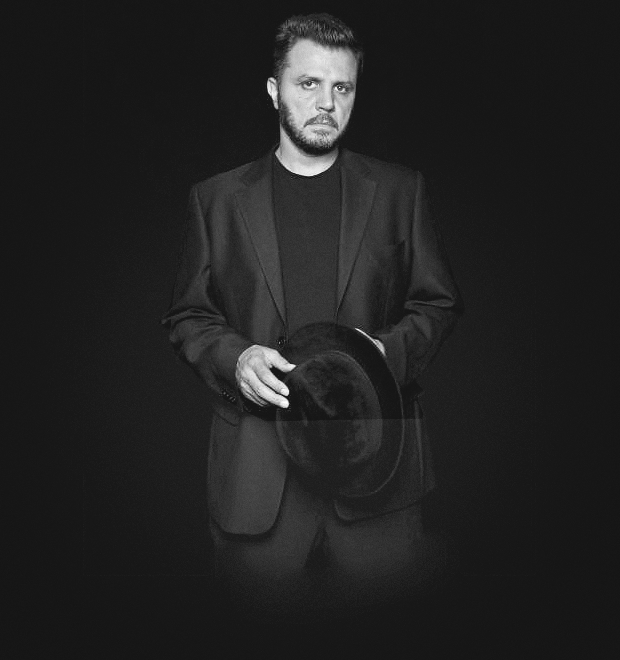 «Не стоит смешивать деньги и кровь»: Интервью с создателем Comme des Fuckdown Русланом Караблиным