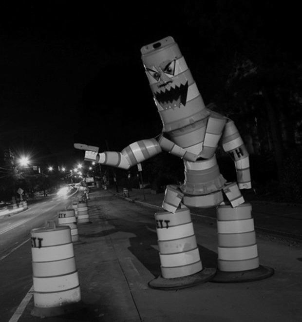 Уличные скульптуры, созданные неизвестными