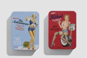 Коробки конфет с портретами девушек в стиле пин-ап