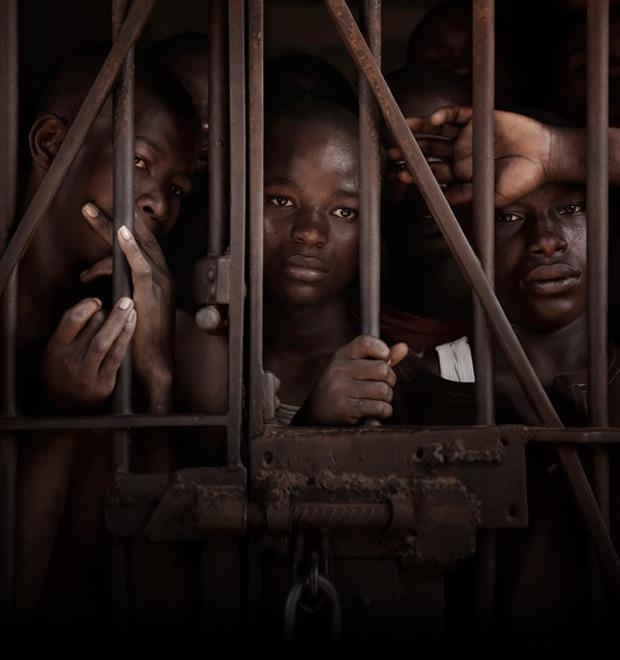 Как подростки Сьерра-Леоне годами живут в тюрьме в ожидании суда по их делу