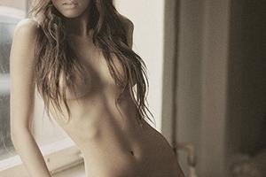 6 терминов, определяющих положение женской груди на фотографиях