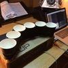Кофейные стаканы превратили в музыкальный инструмент