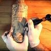 Французский тату-мастер сделал татуировки на бутылках виски