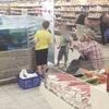Литовец устроил рыбалку в супермаркете