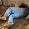 Мужчина прорыл тоннель из спальни своей жены в паб