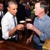 Барак Обама отказался покурить травки в баре