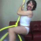Видеоблогер снял кавер на песню Майли Сайрус «Wrecking Ball» в американской «Чат-рулетке»